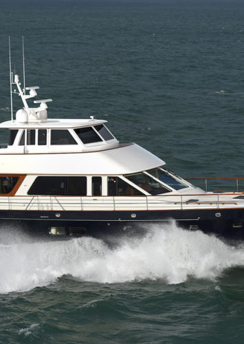 The Hinckley Company Announces New Hunt Ocean 76 Enclosed Pilothouse Will Splash This Spring.