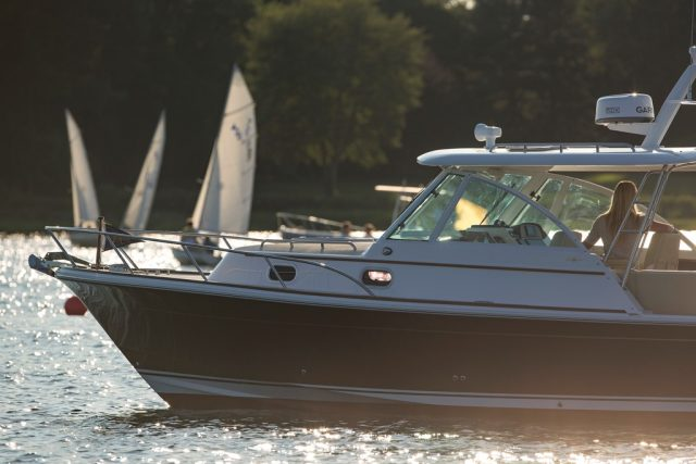Hunt Yachts_Surfhunter 32