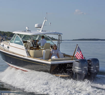 The Surfhunter 29 Impresses at BoatTest.com