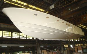 It's Out of the Mold – Hunt 80 Sport Motoryacht