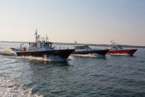 Fraternal Twins: Comparing the Hunt designed 53′ Pilot Boat to her recreational twin, the Hunt 52 Express Cruiser