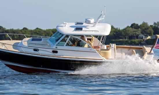 Hinckley introduces OutboardCare & Standardizes Hunt Yachts Coastal Series on Outboard Power